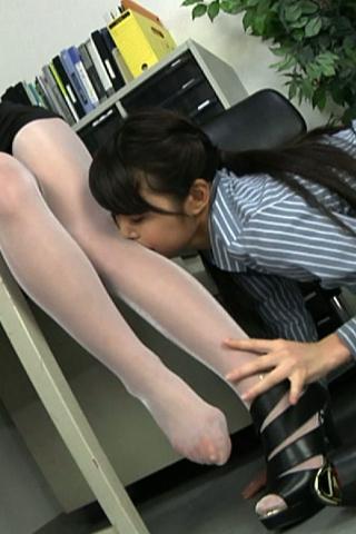 足舐めレズ1